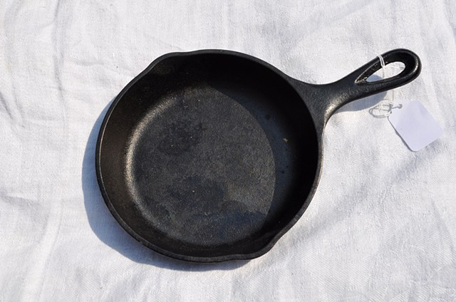 Small cast iron skillet for Renata from Riverton, WY