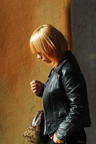 Woman @ Piazza delle Erbe ~ Verona