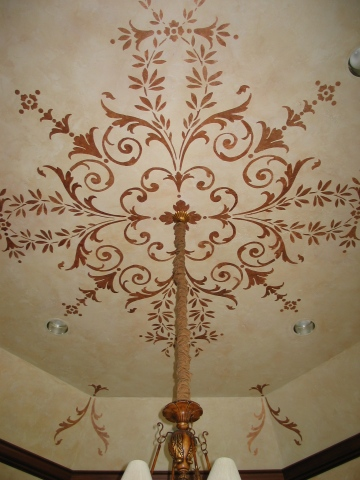 Textured ceiling with stencil