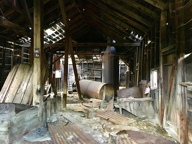 Inside the famous 'Prompt Pay' shaft house.