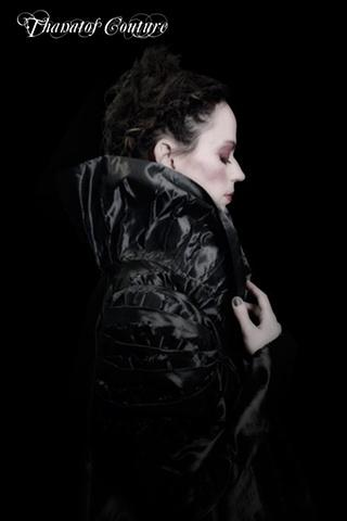 Gunmetal silver taffeta jacket. Model: Flutter