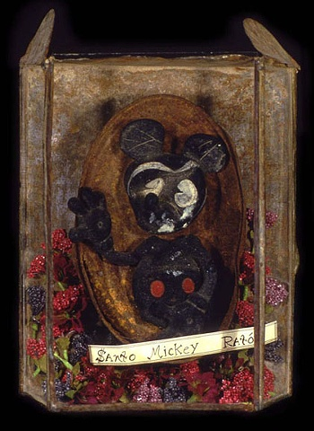 "Santo Mickey Raton assemblage 9.5""x7""x3.5"""