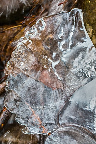 @str12ng #LliamGreguez  #naturephotography #iceformation #ice #iceart #FrozenWater  #winter #nature #Catskills #Stream #earthoutdoors #roamtheplanet #swivelable
