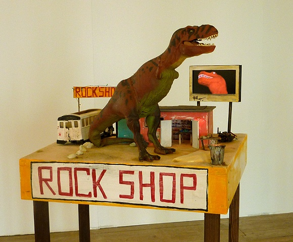 rock shop sculpture