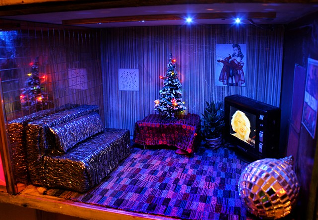 detail of Emmanuel Church of God, Happy Spa, Disco Christmas Living Room