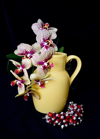 Still Life Series: Jarra amarillla con  orquídeas y huayruro (Yellow Pitcher with Orchids and Huayruro)