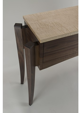 Entry Table, Leg Detail
