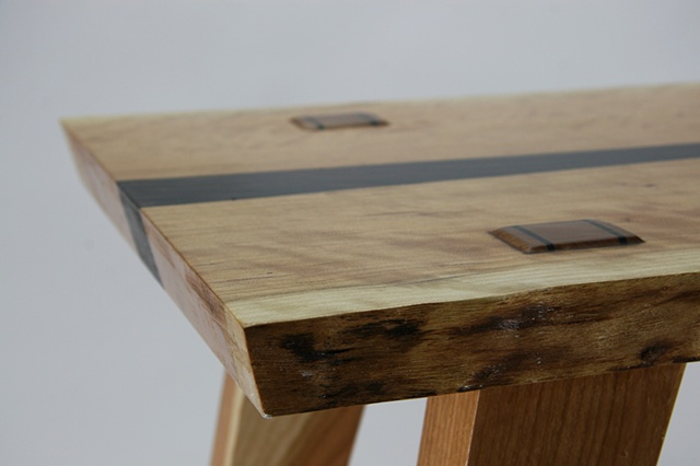 GW Cherry table detail
