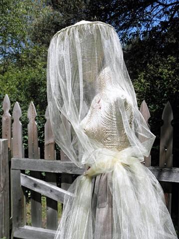 Bee Queen, figure, mother of bees, sculpture