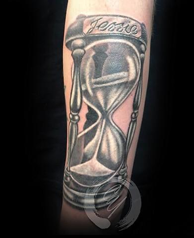 cyrus high tattooer crucial tattoo studio ocean city maryland delaware virginia best tattoos hourglass