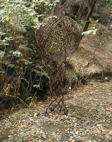 Site specific, land art, eco art, art in nature, earthworks, willow weaving