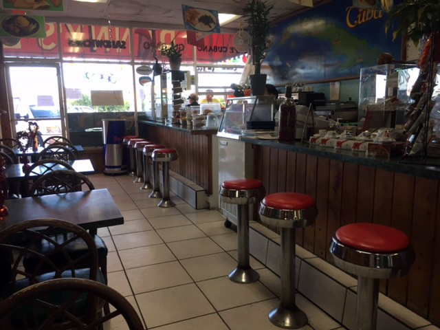 Ozzy's Cuban Diner interior