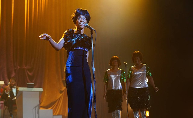 """Aretha sings """"Save Me"""" The Regal Theater, Chicago"""