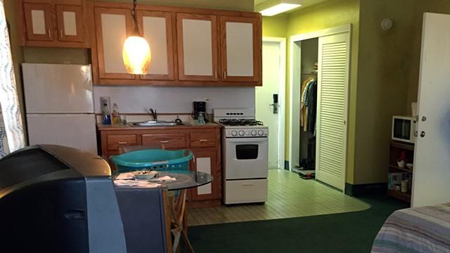 John's Motel Room