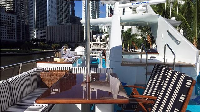 Investor's Yacht, Miami