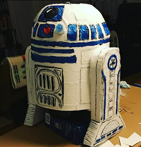 R2D2 Pinata - Making childhood dreams come true