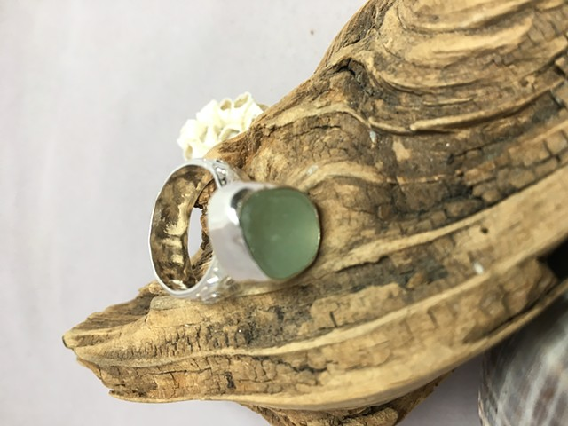 Size 6 Seafoam Green Ring