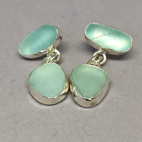Post double bezeled aqua earrings.