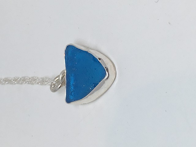 Brilliant Blue Minimalist Pendant