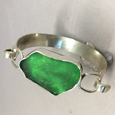 sterling cuff with emerald green seaglass