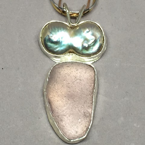 Lavender seaglass with exquisite pearl