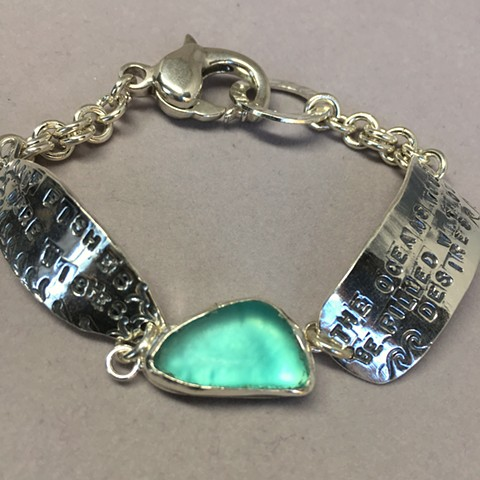 Poetry bracelet in fine silver with aqua seaglass