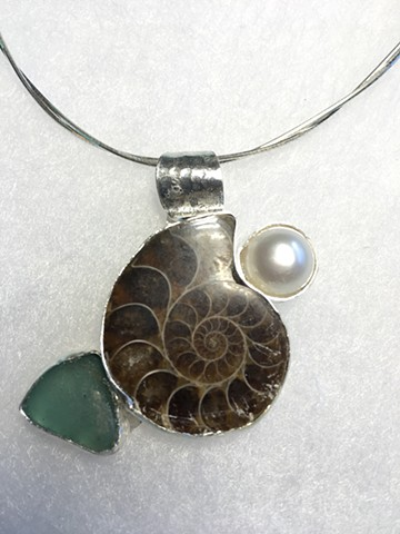 Ammonite and Pearl