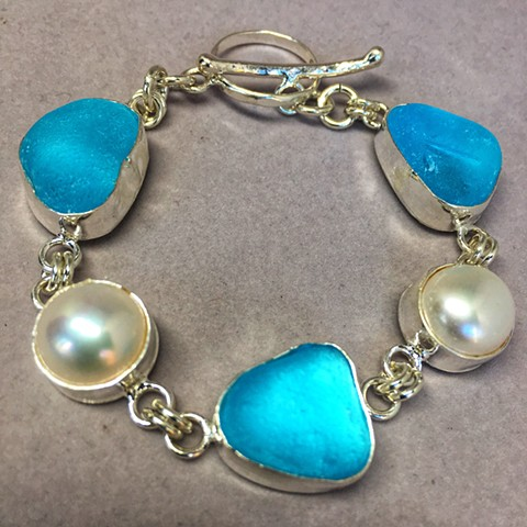 tahitian pearls with aqua seaglass multi bezel bracelet
