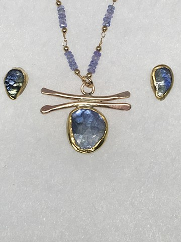 Tanzanite and matching earrings