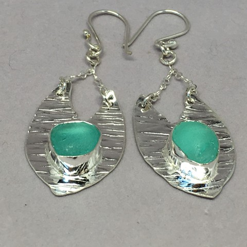 Bezeled drop earrings