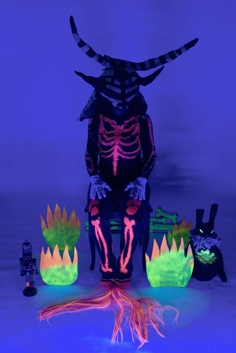 How to wear blacklight skeleton pants