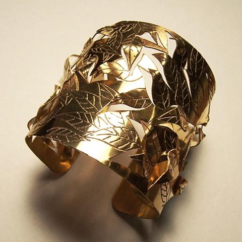 Leaf Cuff Bracelet / Pulsera de Hojas