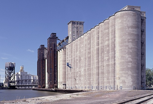 Standard grain elevator and Elevator Alley along the Buffalo River
