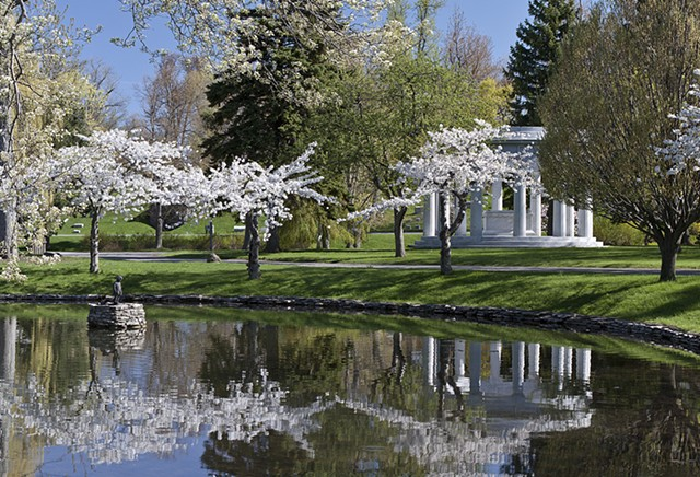 Mirror Lake and Birge Memorial in Forest Lawn Cemetery, Buffalo, NY