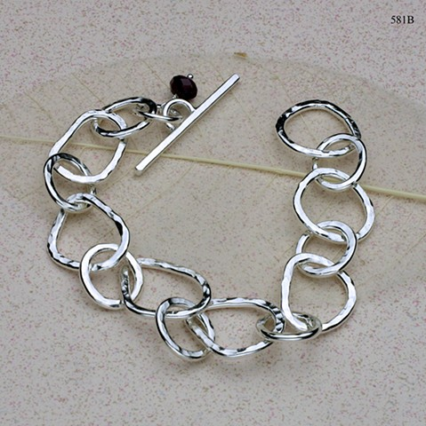 "hammered silver link bracelet with toggle clasp (8"") (#581B)"