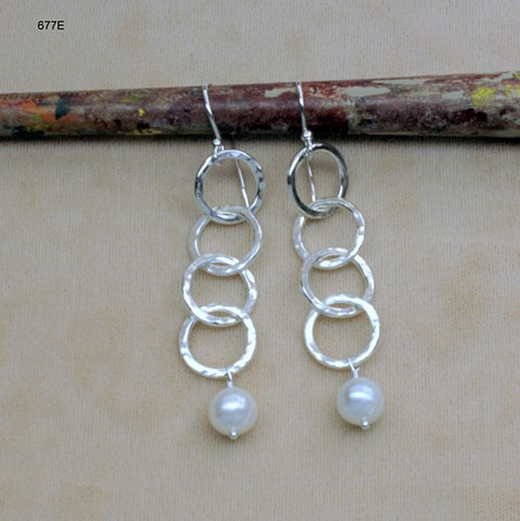 "hammered silver links w/ hanging pearls on s/s ear wires (2 "") (#677E)"