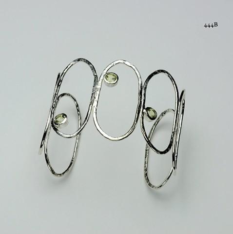 hammered silver ovals bracelet with 3 5mm bezel set lemon quartz ((#444B)