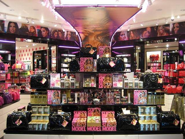 Victoria's Secret Beauty Model Floorset: Holiday Feature Table