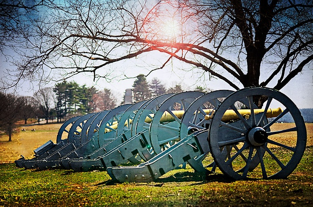 Line of canons at Valley Forge national park