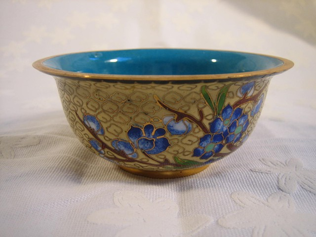 Small turquoise & gold bowl