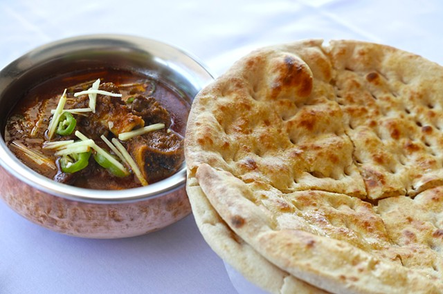 Kunna Gosht Goat Curry and Tandoori Naan bread