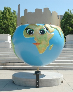 "Cool Globes ""Gracie Greenroof"""
