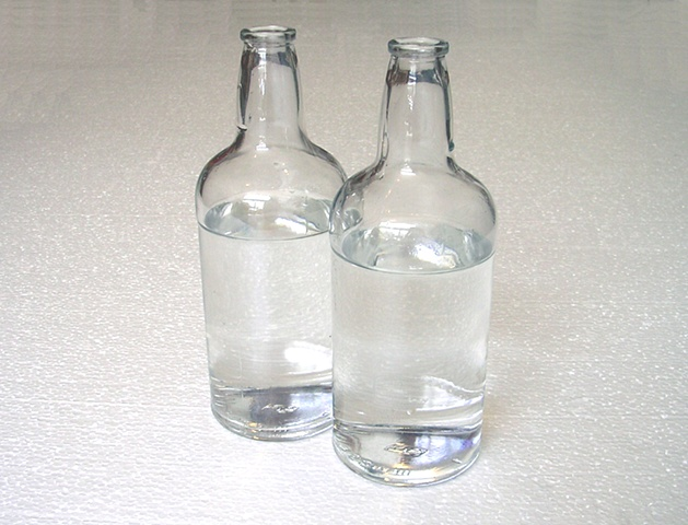 3.579.508 (2 glass bottles, water)