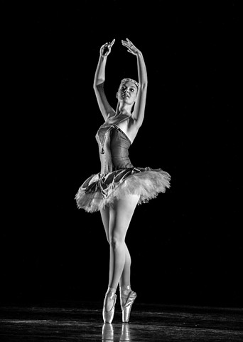 Ballerina, Ballet, Loyola Ballet, black and white photo, Loyola, new Orleans, Louisiana,