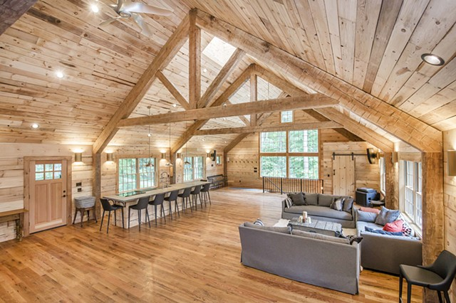 Hoffman Barn Loft Looking West - Gary Pearl Photography