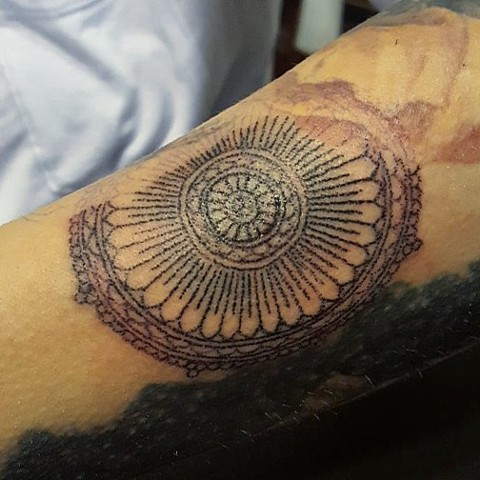 tattoo, handpoking, handpoked, handpoked tattoo, traditional tattoo, mandala
