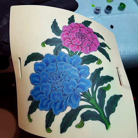 buddhist flowers, practice skin, tattoo, machine tattoo, color, peony, peonies, buddhist peony, blue and pink