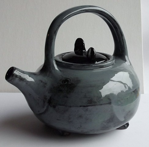 876. black ear teapot