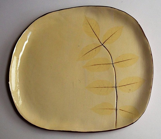 Yellow leaf plate