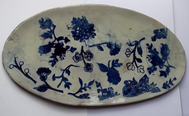 30.Blue patterned largeserving dish